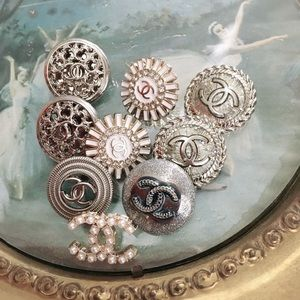 22 mm Silver 9 Chanel vintage button